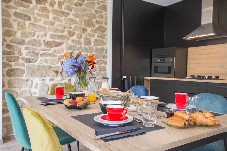Vacances chambres d'hôtes Lorient Hennebont Auray Kervignac - Les Jardins du Cloestro - Petit déjeuner avec produits bio