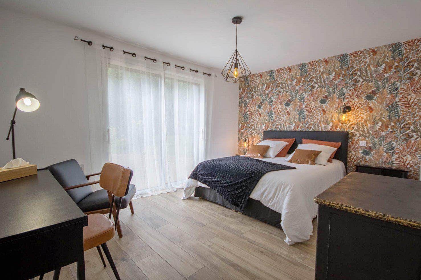 """Vacances chambres d'hôtes Lorient Hennebont Auray Kervignac - Les Jardins du Cloestro -Chambre déco """"Néo-Rétro"""""""