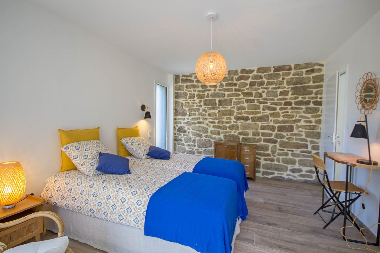 """Vacances chambres d'hôtes Lorient Hennebont Auray Kervignac - Les Jardins du Cloestro - Longère Bretonne -Chambre déco """"Nature"""""""
